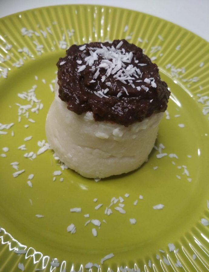 Kokosowa babeczka na zimno z czekoladą